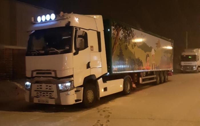 Livraison d'une semi-remorque Legras Industries dans l'Ain malgré la neige !