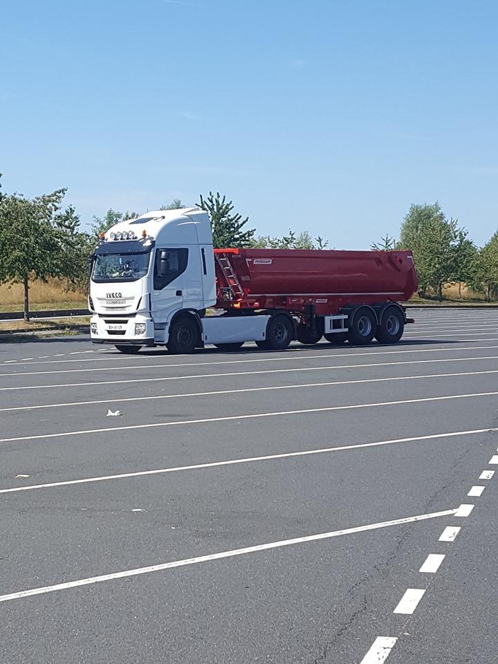 Arrêt ensoleillé en Lorraine, direction Strasbourg pour livrer chez notre client ERNWEIN.